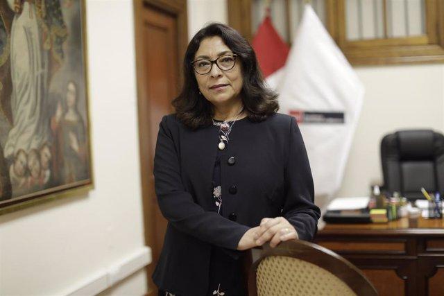 La primera ministro de Perú, Violeta Bermúdez