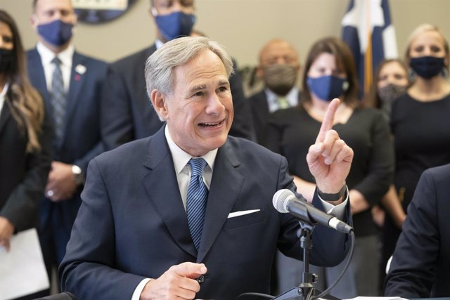 Archivo - 10 September 2020, US, Austin: Texas Governor Greg Abbott speaks at a press conference with Austin police during which he announced a plan to punish Texas cities that cut police spending. Photo: Bob Daemmrich/ZUMA Wire/dpa