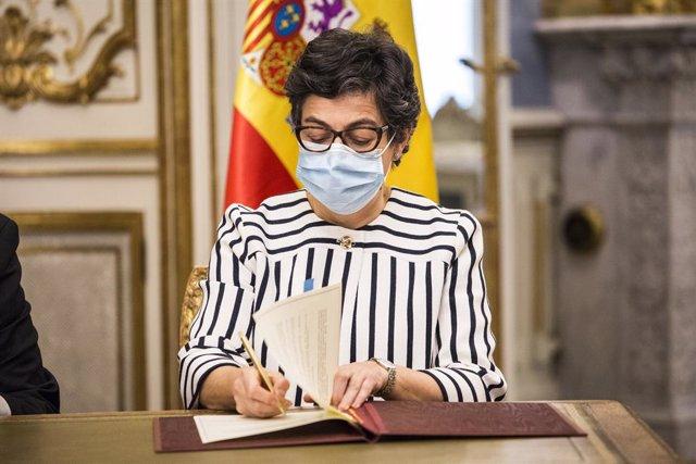 La ministra de Asuntos Exteriores, Unión Europea y Cooperación, Arancha González Laya, durante la reunión con su homólogo hondureño, en el Palacio de Viana, a 28 de mayo de 2021, en Madrid, (España). La reunión se produce días después de la visita que Lis