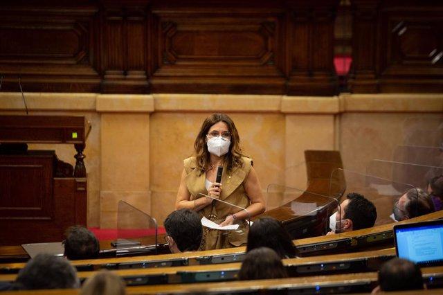 La consellera de Presidència de la Generalitat, Laura Vilagrà, en la sessió de control al Govern.