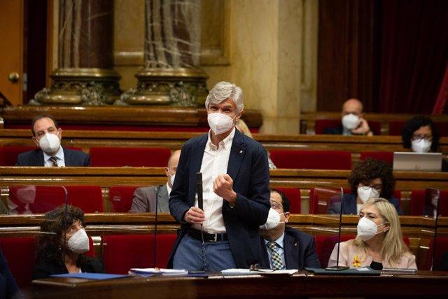 El conseller de Salut de la Generalitat, Josep Maria Argimon, en el ple del Parlament.