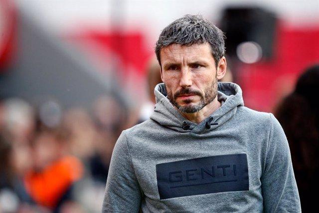 Archivo - EINDHOVEN, 25-09-2019 , Eredivisie season 2019-2020, PSV - Groningen. PSV trainer coach Mark van Bommel before the game PSV - Groningen.