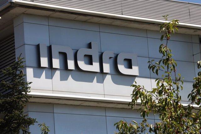 Archivo - Fachada de la sede de Indra ubicada en Madrid, (España), a 10 de septiembre de 2020. Indra ha sido incluida por quinto año consecutivo en el índice de sostenibilidad FTSE4Good Index Series, diseñado para facilitar a los inversores información so