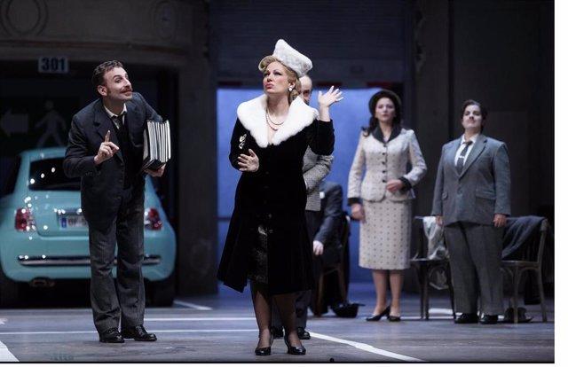 Archivo - Escena de 'Viva la Mamma', en el Teatro Real