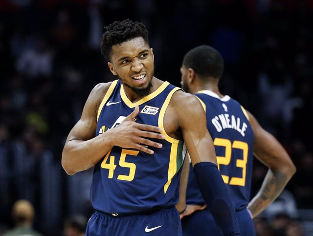 Archivo - 28 December 2019, US, Los Angeles: Utah Jazz's Donovan Mitchell celebrates after scoring during the American NBA basketball match between Los Angeles Clippers and Utah Jazz at Staples Center. Photo: Ringo Chiu/ZUMA Wire/dpa