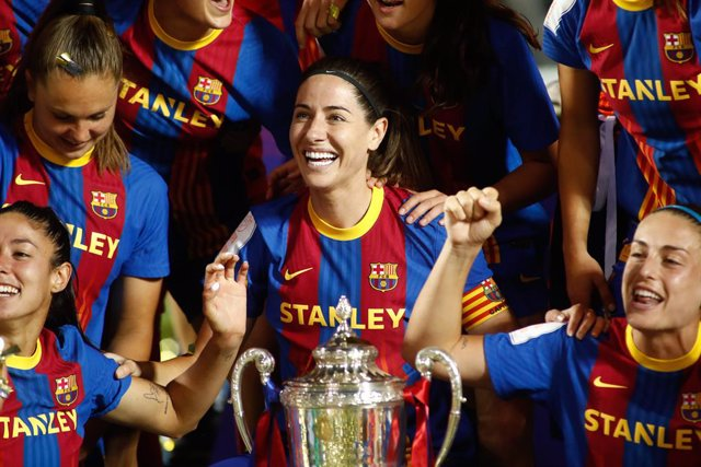 Vicky Losada of FC Barcelona celebrates the victory with her teammates after the spanish women cup, Copa de la Reina, Final football match played between FC Barcelona and Levante UD at Butarque stadium on May 30, 2021 in Leganes, Madrid, Spain.