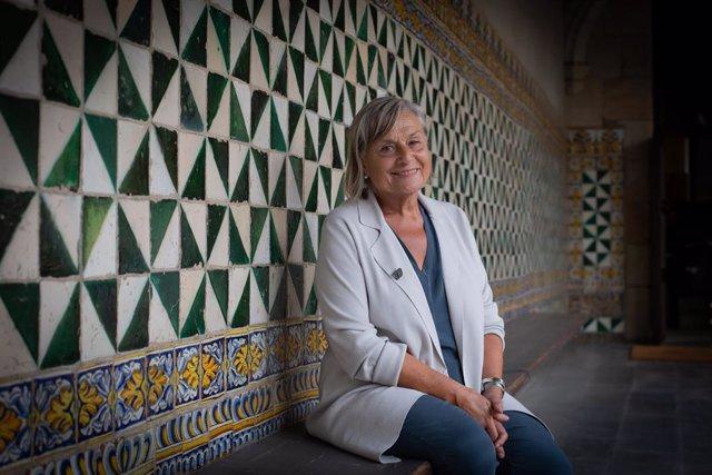 La nova presidenta de l'IEC M.Teresa Cabré.