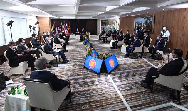 Archivo - Imagen de archivo de líderes de la ASEAN durante un encuentro.