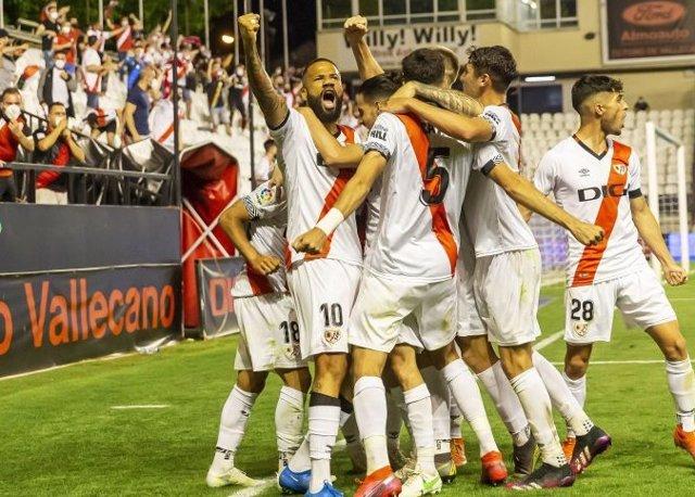 El Rayo celebra el triunfo ante el Leganés en la ida del playoff