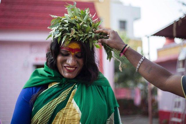 Persona transgénero, o hijra, como se las conoce en India y Bangladesh.