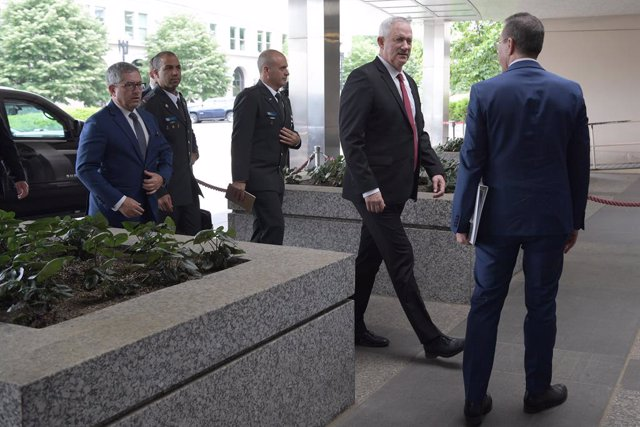 03 June 2021, US, Washington: Israeli Defence Minister Benny Gantz (2nd R) arrives at the USDepartment of State to meet with US Secretary of State Antony Blinken (not pictured). Photo: Lenin Nolly/ZUMA Wire/dpa