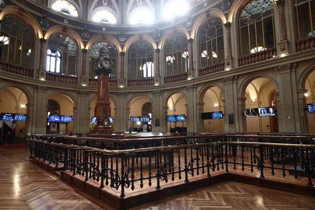 Archivo - Interior del edificio de la Bolsa