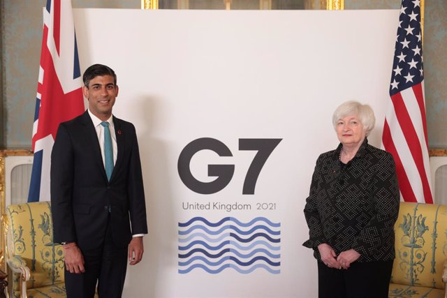 03 June 2021, United Kingdom, London: UKChancellor of the Exchequer Rishi Sunak (L) welcomes US Treasury Secretary Janet Yellen before a bilateral meeting ahead of the G7 Finance Ministers meeting on Friday. Photo: Hannah Mckay/PA Wire/dpa