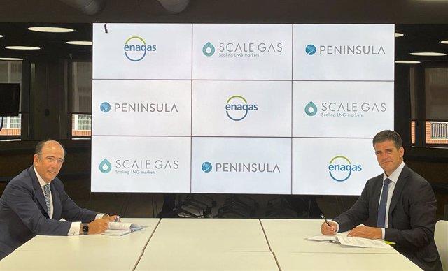 Firma del acuerdo de Enagás y Peninsula para construir un buque para suministrar GNL
