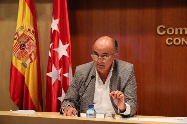 El viceconsejero de Salud Pública y Plan COVID-19 de la Comunidad de Madrid, Antonio Zapatero, interviene en una rueda de prensa sobre la situación epidemiológica y asistencial por coronavirus en la región, a 28 de mayo de 2021, en Madrid (España). Durant