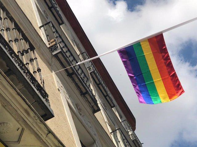 Archivo - Imagen de archivo de la bandera arcoiris.