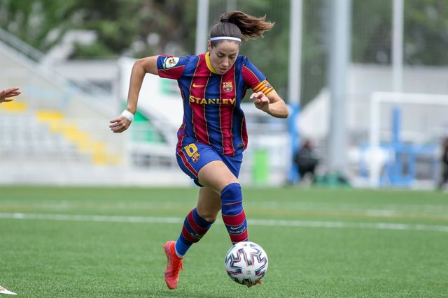 """Archivo - Maria Victoria Losada """"Vicky"""" of FC Barcelona controls the ball during the spanish women league, Primera Iberdrola, football match played between Madrid CFF and FC Barcelona at Antiguo Canodromo on April 28, 2021 in Madrid, Spain."""