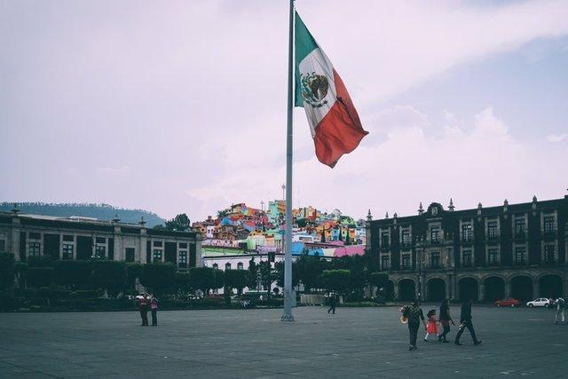 Archivo - Bandera de México