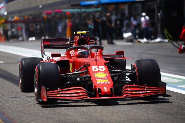 55 SAINZ Carlos (spa), Scuderia Ferrari SF21, action during the Formula 1 Azerbaijan Grand Prix 2021 from June 04 to 06, 2021 on the Baku City Circuit, in Baku, Azerbaijan - Photo Xavi Bonilla / DPPI