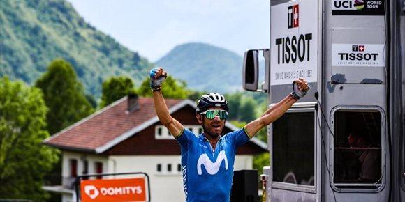 1. Valverde sonríe de nuevo dando caza a Tao en el Dauphiné