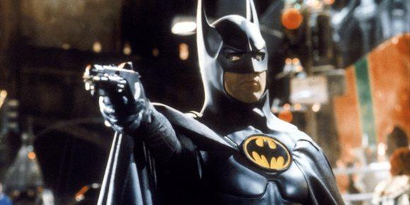 4. El Batman de Michael Keaton adelanta su sangriento regreso en The Flash