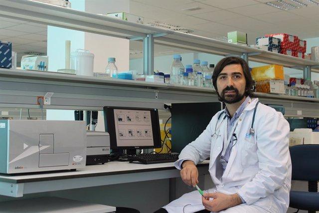 Archivo - El doctor Antonio Pérez-Martínez, que investiga contra la leucemia infantil