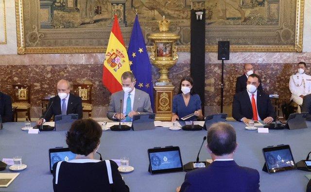 Los Reyes presiden la reunión anual con los miembros de los Patronatos de la Fundación Princesa de Asturias