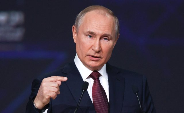 HANDOUT - 04 June 2021, Russia, St. Petersburg: Russian President Vladimir Putin speaks during the St. Petersburg International Economic Forum. Photo: -/Kremlin/dpa - ATTENTION: editorial use only and only if the credit mentioned above is referenced in fu