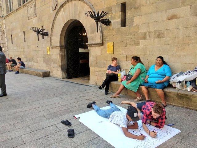Imatge de la protesta de Mariola en Moviment