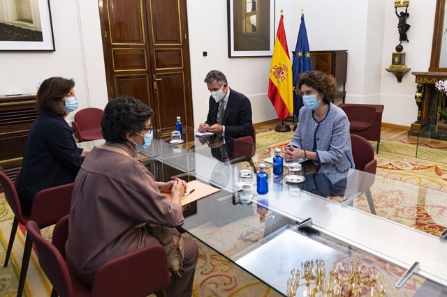 """La ministra de Exteriores, González Laya, y su homóloga andorrana se han reunido este viernes en Madrid para tratar asuntos bilaterales entre ambos países y celebrar """"el buen estado"""" de las relaciones."""