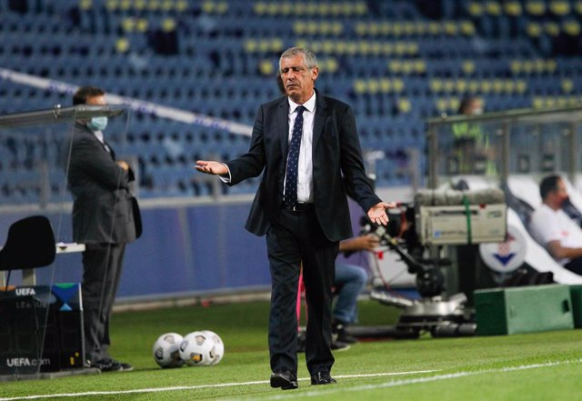 Archivo - Portugal coach Fernando Santos reacts during the UEFA Nations League Group A3 football match between Portugal and Croatia on September 5, 2020 at the Estadio do Dragao in Porto, Portugal - Photo Nuno Guimaraes / ProSportsImages / DPPI