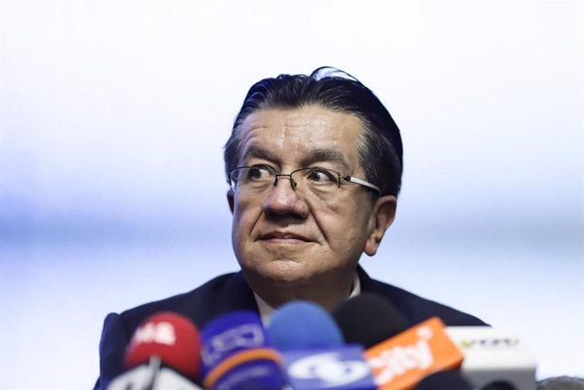 Archivo - El ministro de Salud de Colombia, Fernando Ruiz.
