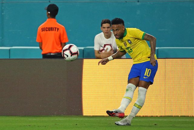 Archivo - 06 September 2019, US, Miami Gardens: Brazil's Neymar in action during the international friendly soccer match between Brazil and Colombia at the Hard Rock Stadium. Photo: David Santiago/TNS via ZUMA Wire/dpa
