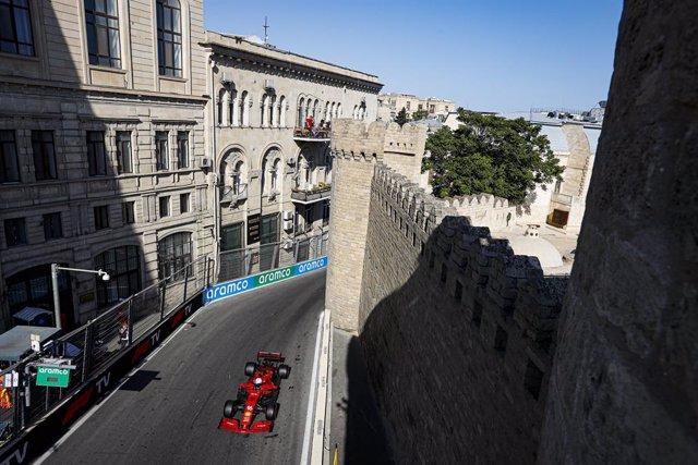 16 LECLERC Charles (mco), Scuderia Ferrari SF21, action during the Formula 1 Azerbaijan Grand Prix 2021 from June 04 to 06, 2021 on the Baku City Circuit, in Baku, Azerbaijan - Photo Antonin Vincent / DPPI