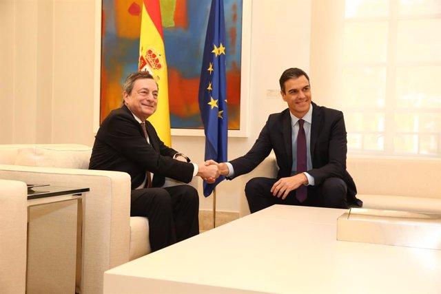 Archivo - Arxivo - El president del Govern, Pedro Sánchez, i el president del Govern italià, Mario Draghi, en una trobada celebrada en 2019 quan Draghi presidia el Banc Central Europeu.