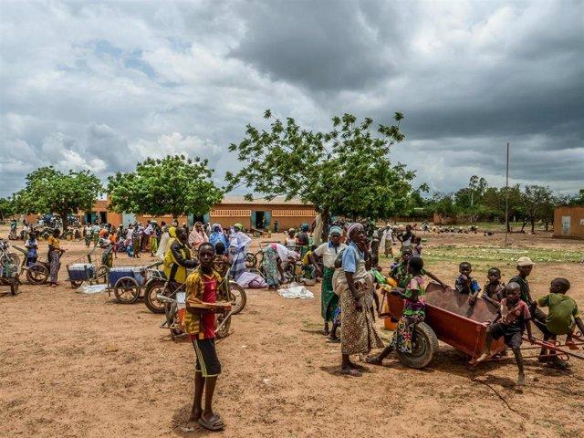 Archivo - Desplazados por la violencia en Burkina Faso