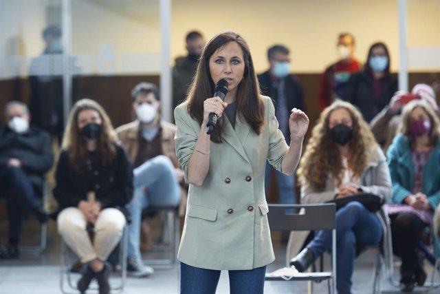 """La ministra de Derechos Sociales y Agenda 2030, Ione Belarra, participa en un acto de campaña, a 3 de junio de 2021, en Avilés, Asturias, (España). Con el lema """"Crecer"""", Belarra es candidata a la Lista del Consejo Ciudadano Estatal."""
