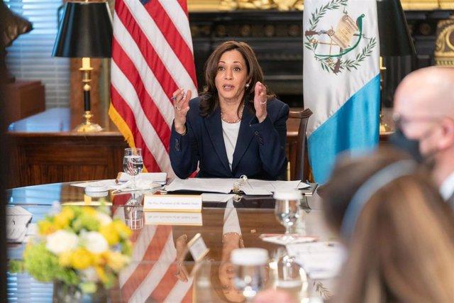 Archivo - La vicepresidenta de Estados Unidos, Kamala Harris, en una reunión virtual con el presidente de Guatemala, Alejandro Giammattei.
