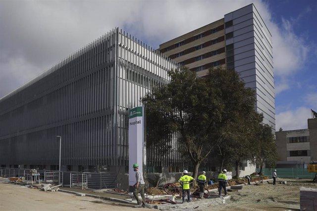 Archivo - Exterior del nuevo Hospital de Emergencia Covid-19, construido en el antiguo Hospital Militar Vigil de Quiñones. En Sevilla, (Andalucía, España), a 01 de febrero de 2021.