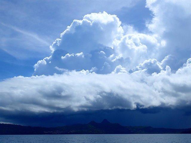 Monzón africano por encima de Mayotte.