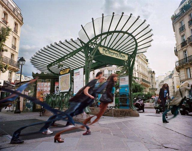 Imatge de l'artista Esteban Pastorino Díaz per al Festival Internacional de Fotografia Experimental.