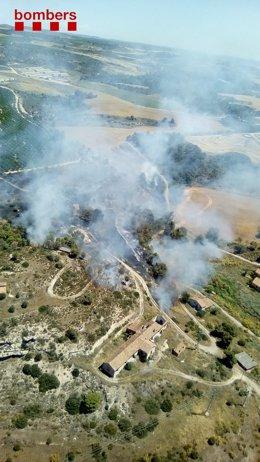 Imatge de l'incendi a Seròs (Lleida).