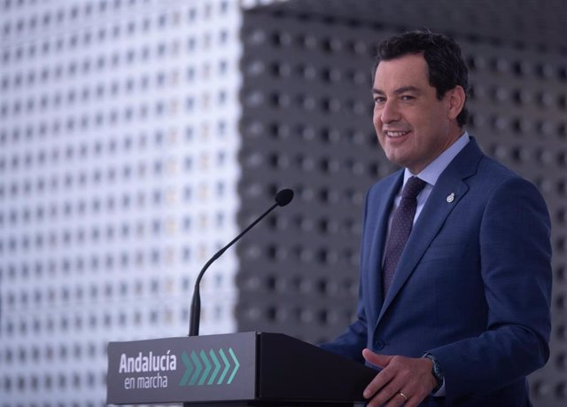 El presidente de la Junta de Andalucía, Juanma Moreno, este lunes durante su primera comparecencia pública tras superar el coronavirus.