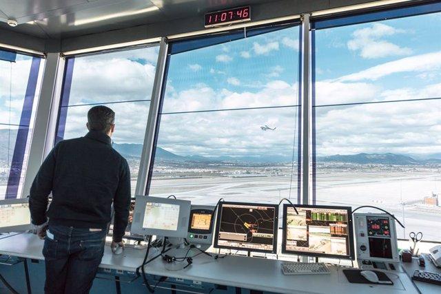 Archivo - Controlador aéreo