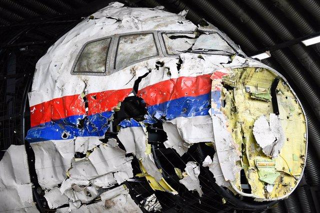 Restos del vuelo MH17 derribado en 2014 en el este de Ucrania