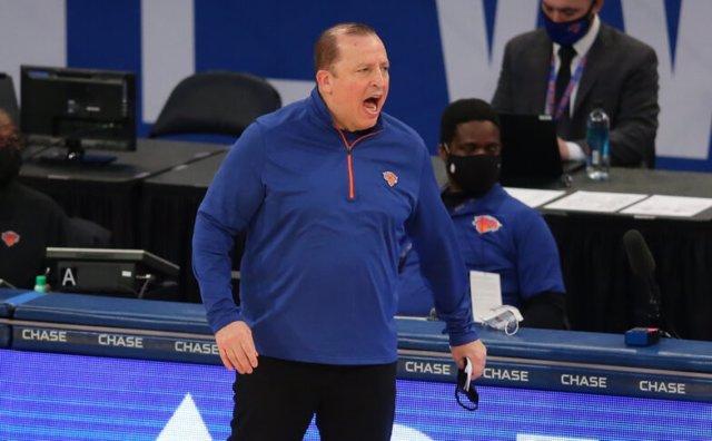 El entrenador de los New York Knicks, Tom Thibodeau, en un partido de la NBA 2020/21