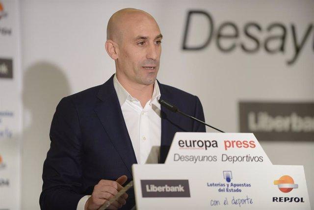 Archivo - Luis Rubiales en los Desayunos Deportivos de Europa Press