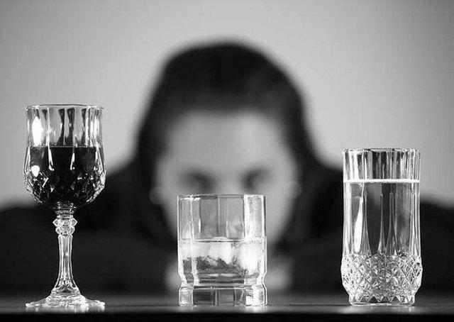 Archivo - Consumo de alcohol