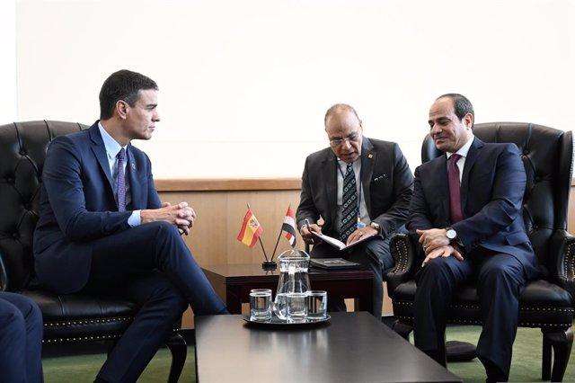 Archivo - El presidente del Gobierno en funciones, Pedro Sánchez, junto al presidente de Egipto, Abdelfatá al Sisi, en la reunión bilateral que han mantenido en el marco de la Asamblea General de Naciones Unidas el 24 de octubre de 2019.