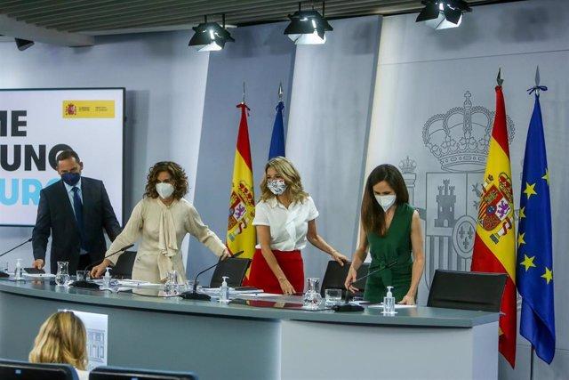 José Luis Ábalos, María Jesús Montero, Yolanda Díaz e Ione Belarra, a su llegada a la rueda de prensa tras la celebración del Consejo de Ministros de este martes 8 de junio de 2021